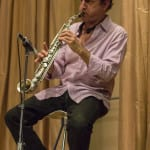 Javier Paixaraño al saxofón acompañando a Joaquín Lera | (CC) Paula Díaz