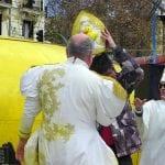 Ordenación 'Pequeño Nicolás' como Obispo de la Iglesia Patólica | 'El Campo de Cebada' | Domingo 28 de diciembre de 2014 | Sumo Pontífice Leo Bassi ordenando obispo al 'Pequeño Nicolás' voluntario forzoso