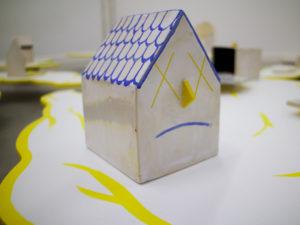 Exposición de Marco Pardo | 'Busco piso en esta zona, Urge, 654 78 45 43''Busco piso en esta zona, Urge, 654 78 45 43' | Galería de Arte A Ciegas | Lavapiés | Madrid | 12/09-15/11/2019 | Casa