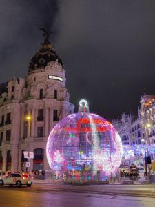 Madrid suena a Navidad 21/12/2019-05/01/2020 | Ayuntamiento de Madrid | Navidad en Madrid | Bola navideña en Alcalá con Gran Vía