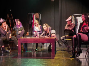 Reservoir Cats de Carolina Corvillo y Ricard Reguant | La obra de teatro que haría Tarantino si fuese feminista