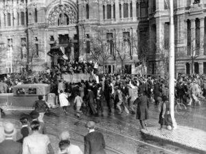 Proclamación de la Segunda República en Madrid | Plaza de Cibeles | 14/04/1931 | Foto Alfonso Sánchez Portela