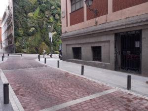 7 colegios de Centro cuentan ya con un acceso más seguro | CEIP Palacio Valdés | Calle del Cenicero | Cortes