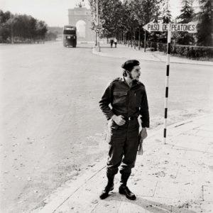 Libro Madrid. Retrato de una ciudad | La Librería (2020) | El Che en la Ciudad Universitaria | César Lucas (1959)