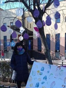 Las huellas del hambre en Madrid   Árbol decorado por Círculo de Podemos Madrid   Junta Municipal de San Blas-Canillejas   Foto Podemos Madrid