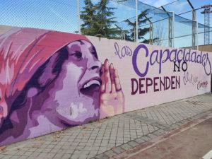 Mural feminista de Ciudad Lineal | Madrid | Las capacidades no dependen de tu género | Foto Wikipedia