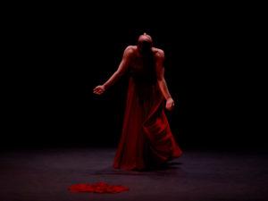 Danza en la Villa 2021 | Fernán Gómez. Centro Cultural de la Villa | 14/04-02/05/2021 | Mujer de pie